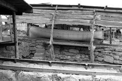 Trilhos de madeira encalhados barco de Escalo Formentera Imagens de Stock