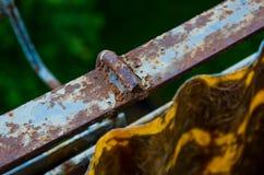 Trilhos oxidados velhos do metal Fotografia de Stock