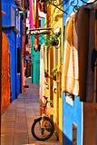 Trillende Italiaanse straat Stock Afbeeldingen