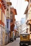 Trillende straat in India Stock Afbeeldingen
