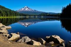 Trillium Lake early morning with Mount Hood, Oregon, USA.  Stock Photos