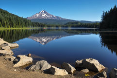 Trillium Lake early morning with Mount Hood, Oregon, USA Stock Photo