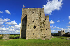 Trim Castle on the banks of the Boyne River in County Meath, is the largest Anglo-Norman Castle in ireland and was used as locatio Stock Photos