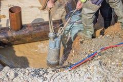 Trincheira submergível 2 do dreno de bomba da água Imagens de Stock Royalty Free