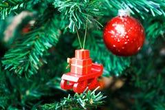 Trineo con los regalos imagen de archivo libre de regalías