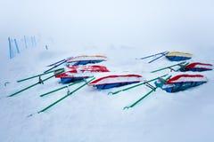Trineos nevados del rescate para los esquiadores heridos Imagen de archivo