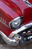 Trinidad, Cuba - 7 Juli 2018: Chrome-koplamp van oude tijdopnemerauto o Royalty-vrije Stock Afbeeldingen