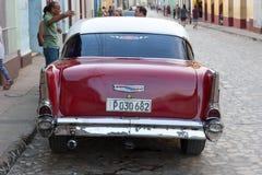 Trinidad, Cuba - 7 Juli 2018: Oude tijdopnemerauto op straten van Trinida Stock Foto's