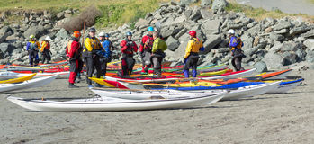 TRINIDAD KALIFORNIEN, USA - MAJ 3: Undersök kajaken för havet för norrkusten Royaltyfria Foton