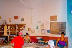 TRINIDAD KUBA, WRZESIEŃ, - 5, 2015: Rządowy sklep Fotografia Stock
