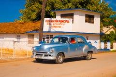 TRINIDAD KUBA, WRZESIEŃ, - 8, 2015: Stary Amerykański samochód Obraz Royalty Free