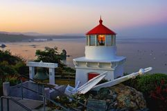 Trinidad Lighthouse i gryning Royaltyfri Foto