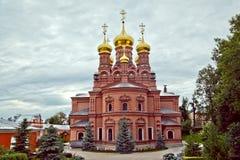 Trinidad-Sergius masculina Lavra, Sergiev Posad del monasterio de Chernigov imagen de archivo libre de regalías