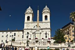 Trinità dei monti教会和楼梯在罗马 图库摄影