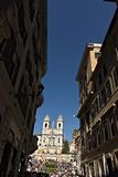 Trinità dei monti教会和楼梯在罗马 免版税库存图片