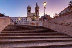 ?? 西班牙和特里尼塔dei蒙蒂正方形  免版税图库摄影