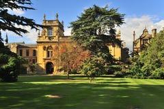 Trinityhögskolaträdgårdar, Oxford Royaltyfri Bild