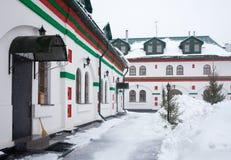 Trinitykyrka i gammala Cheremushki. Moscow. Inre domstol. Royaltyfri Bild