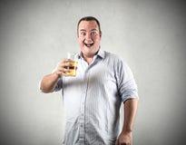 Trinkende Totenbahre des glücklichen Mannes stockfotos