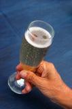 Trinkender Champagner Lizenzfreie Stockbilder