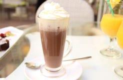 Trinkender Kakao Lizenzfreies Stockbild