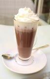 Trinkender Kakao Lizenzfreie Stockfotografie