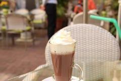 Trinkender Kakao Stockfoto