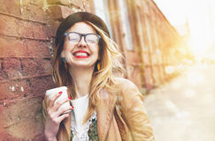Trinkender Morgenkaffee der Frau Lizenzfreie Stockfotografie