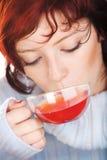 Trinkender Tee Stockbilder