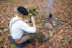 Trinkender yerba Kamerad im Holz Lizenzfreies Stockfoto