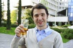 Trinkendes Bier Stockbilder