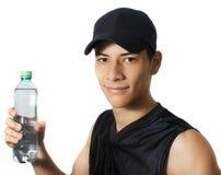Trinkwasser des Mannes Stockfoto