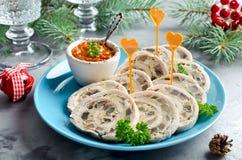 Trino del rollo del pollo con la tortilla y las setas de la tortilla Imagen de archivo libre de regalías
