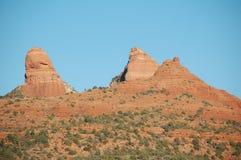 Trio de monument majestueux de grès rouge dans U S Sud-ouest dans la lumière naturelle image stock