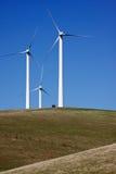 Trio de turbinas de vento Fotografia de Stock