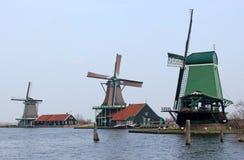 Trio dos moinhos de vento Fotografia de Stock Royalty Free