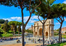 Triomfantelijke Boog in oud Rome Italië Beroemd Oriëntatiepunt stock foto's