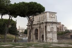 Triomfantelijke Boog, Rome, Juni 2016, Mening in de stad, Rome, Vakantie, Architectuur Stock Fotografie
