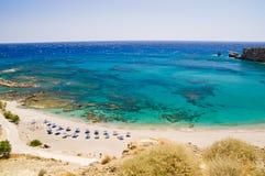 Triopetra三岩石海滩 免版税库存图片