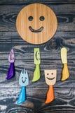 Tripé de madeira redondo com Smiley Face fotografia de stock