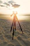 Tripé e por do sol do mar profundo Foto de Stock