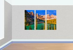Triptychonbilder des Sees, der felsigen Berge und des blauen Himmels, Han lizenzfreie abbildung