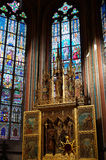Triptyque d'or à l'intérieur de saint Vitus Cathedral à Prague Photos stock