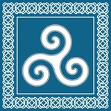Triscele di simbolo o triskele antiche, elemento celtico tradizionale Immagini Stock