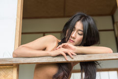 Tristesse asiatique de sentiment de femme photos stock