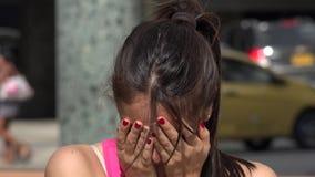 Tristezza e depressione in adolescenti video d archivio