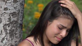 Tristezza teenager e depressione della ragazza stock footage