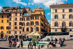 Triton-Fontein (Fontana del Tritone) in Rome Stock Foto