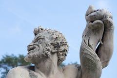 Triton staty i trädgården av slotten för prins` s, slott för Andrea Doria ` s i Genoa Genova, Italien Arkivfoton