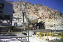 Triturador e caminhão minerais de cobre Imagens de Stock Royalty Free